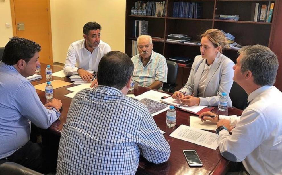 Reunión de la Alcaldesa y el Consejero de Agua, Agricultura, Ganadería y Pesca de la Región para solicitar vías de financiación para la modernización de regadíos