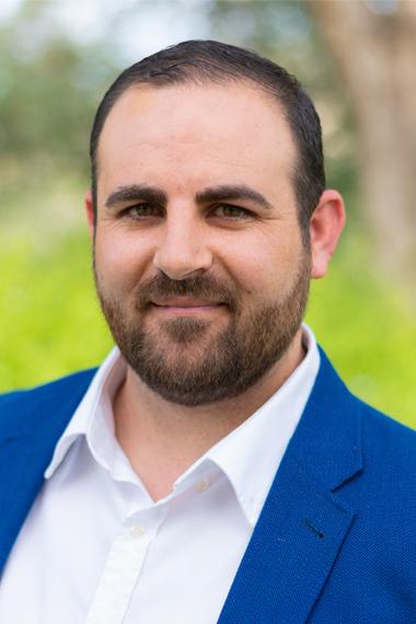 16.- David Gil García