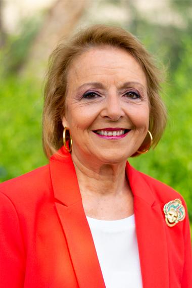 17.- Ángela Gómez García